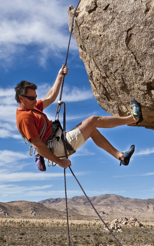 312_rappelling